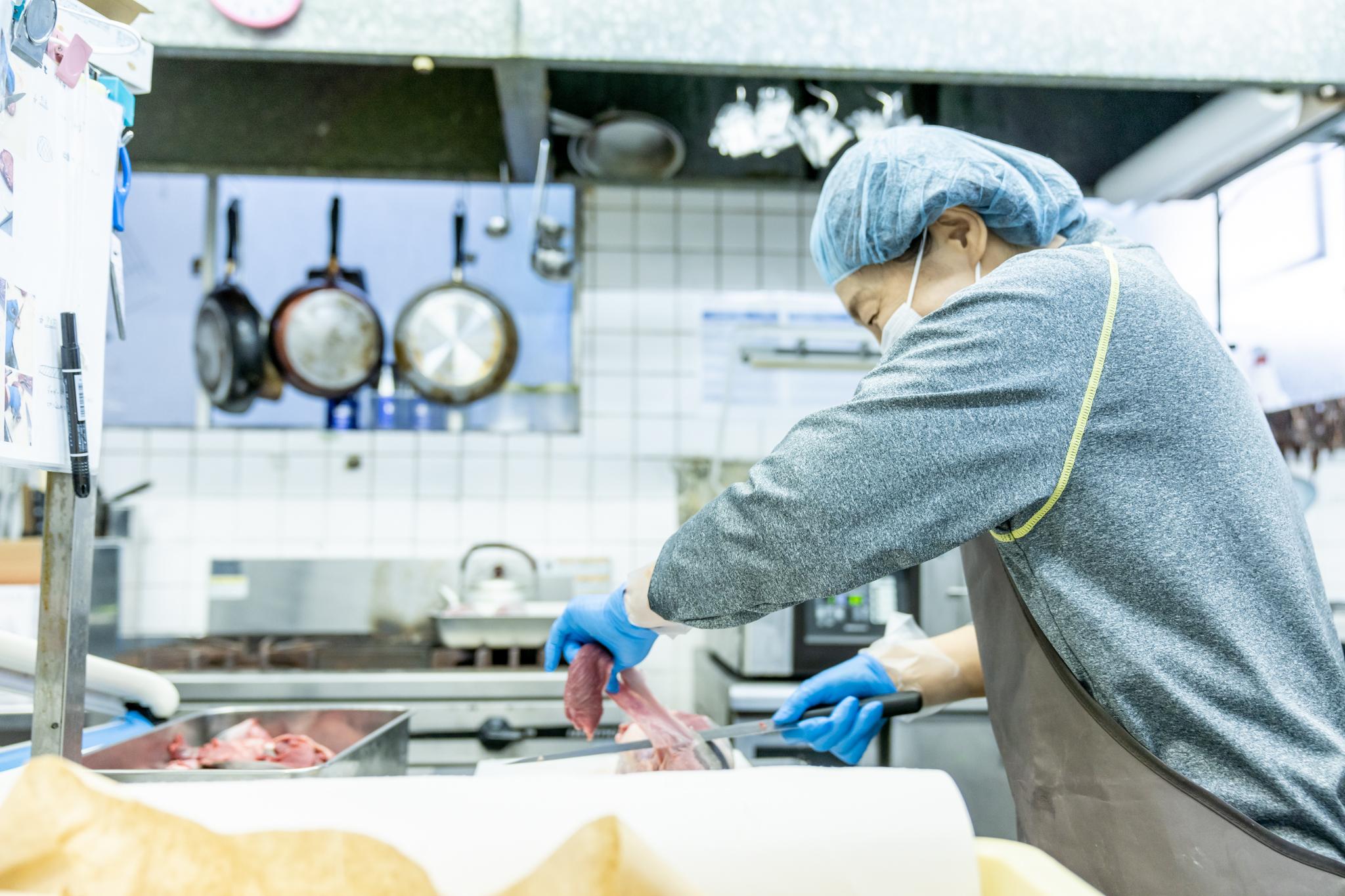 【接客無し】精肉工場での発送業務&在庫管理者/能登川 |